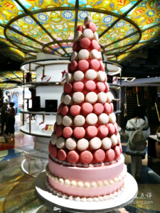 Daxue consulting-Macarons pyramid in China